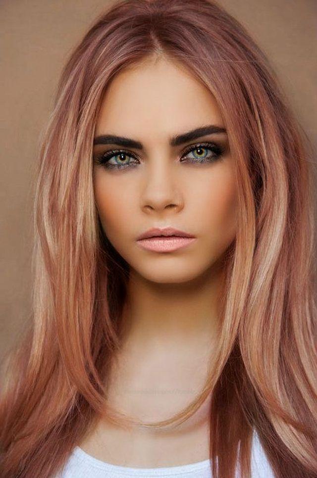 Ani-rysava-ani-blond-farebny-vlasovy-trend-inspirovany-ruzovym-zlatom-5